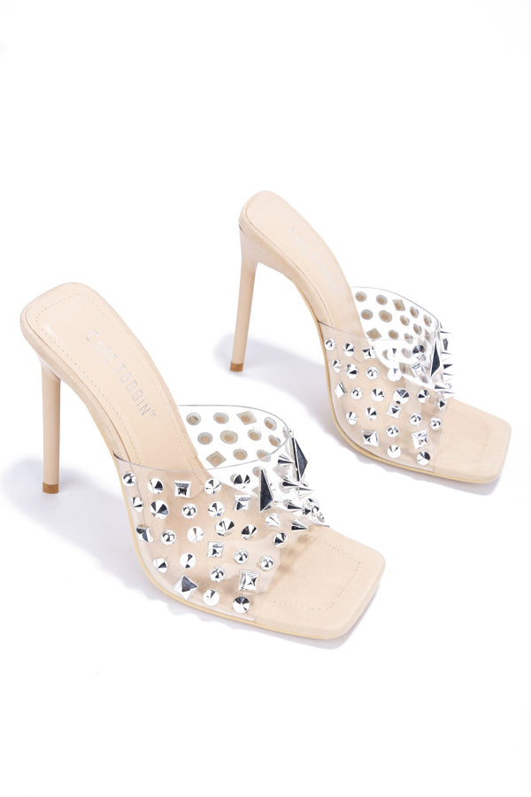 INSITE SHOW ME SOME STUDDED PVC MULE HEEL-NUDE