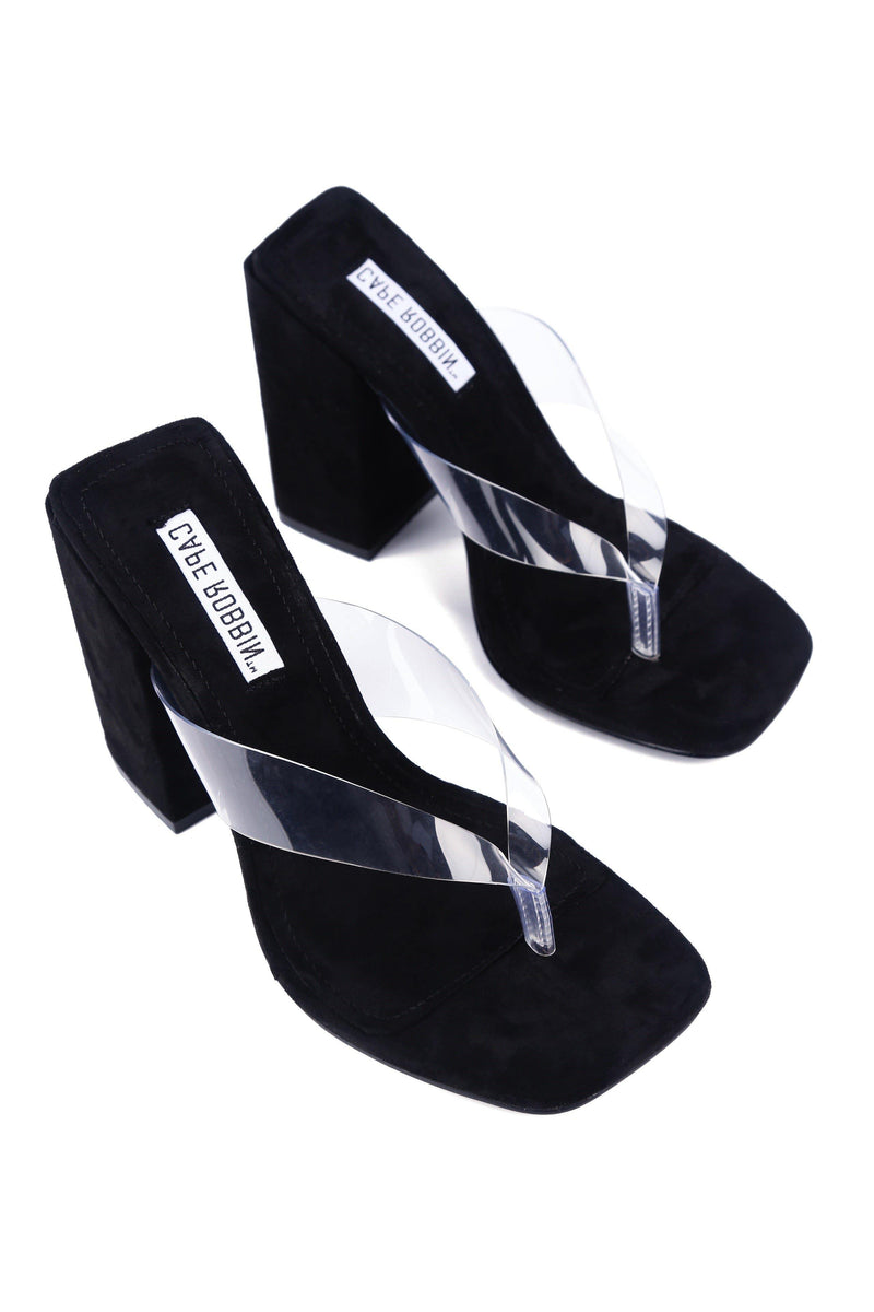 PLUM STEPS IT UP CHUNKY HEEL CLEAR THONG SANDAL-BLACK