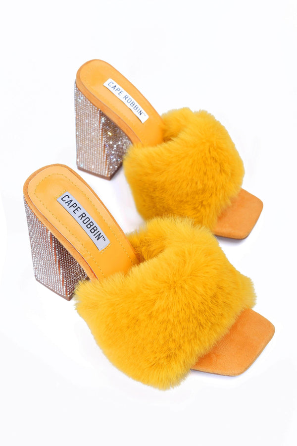 SOFTY PICK UP THE PHONE FUR MULE SANDAL-MUSTARD