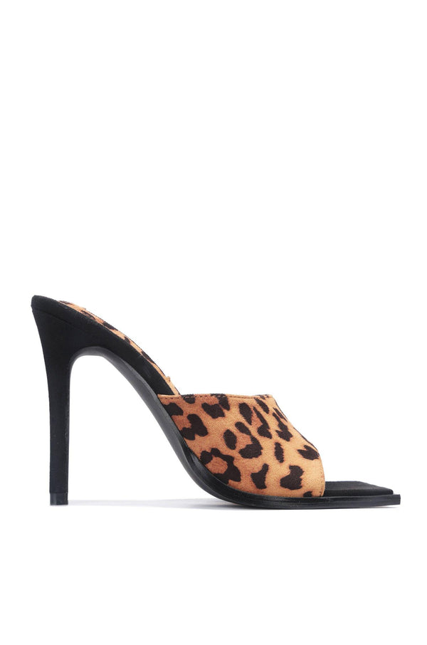 TRISTEN SAYING HELLO SQUARE TOE MULE-LEOPARD - FlashyBox