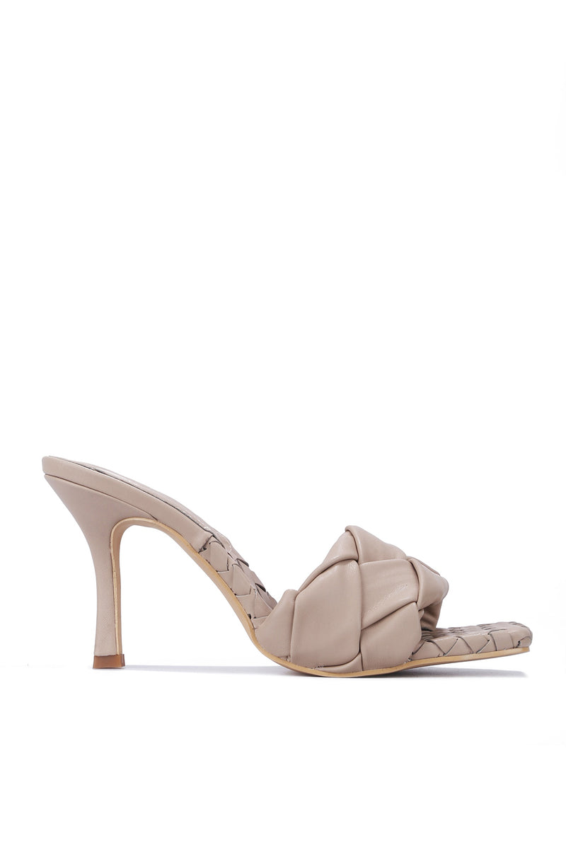 WAVE IT LIKE NEVER BEFORE SLIP ON WOVEN HEELS-NUDE