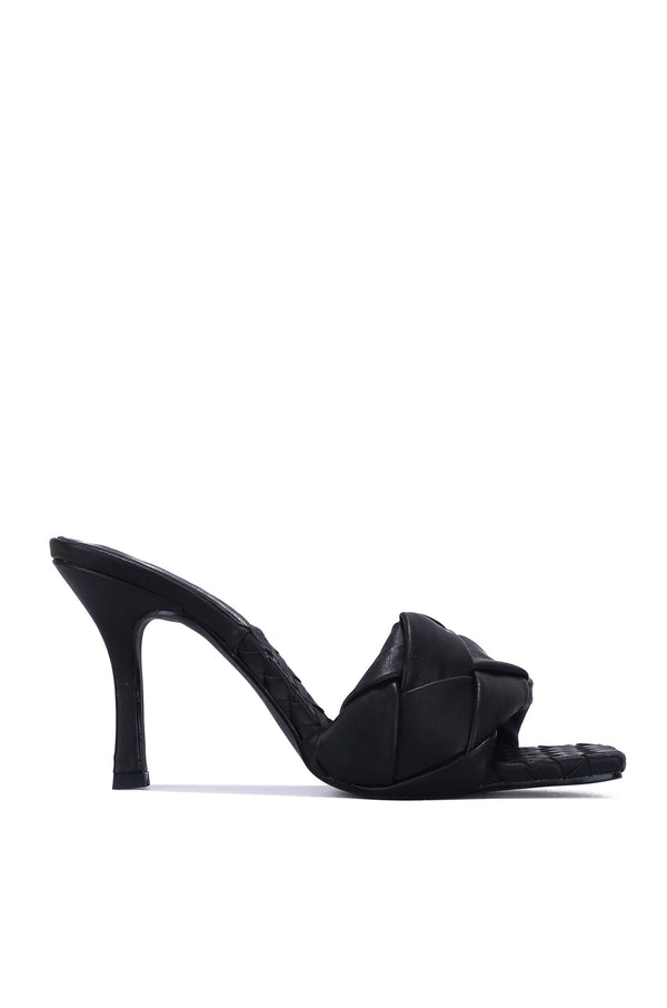 WAVE IT LIKE NEVER BEFORE SLIP ON WOVEN HEELS-BLACK