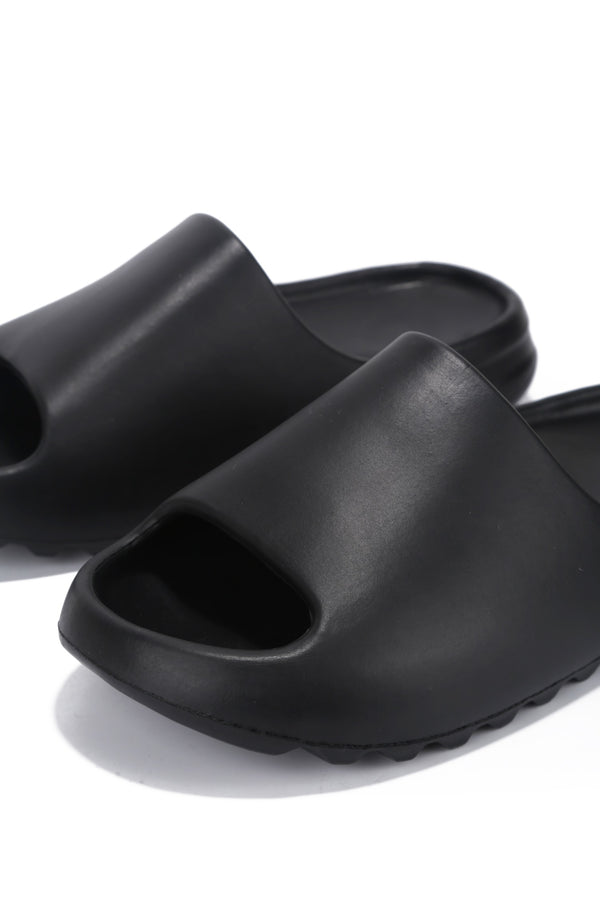 FESTIVE SLIPPING AWAY SLIDES-BLACK - FlashyBox