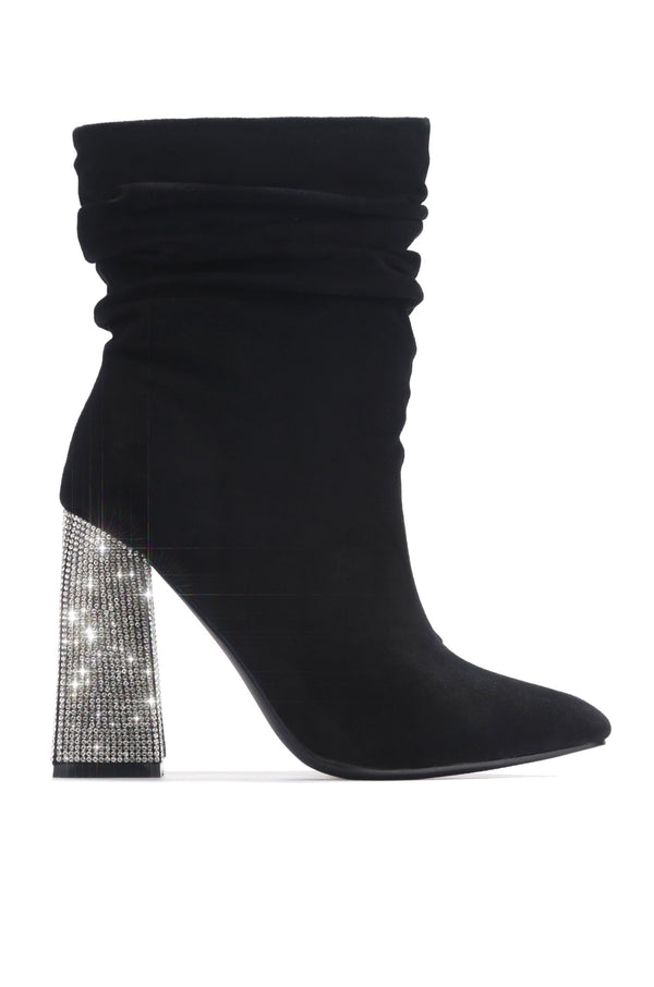 VIKA ULTIMATE BADDIE HEELED BOOTIES-BLACK - FlashyBox