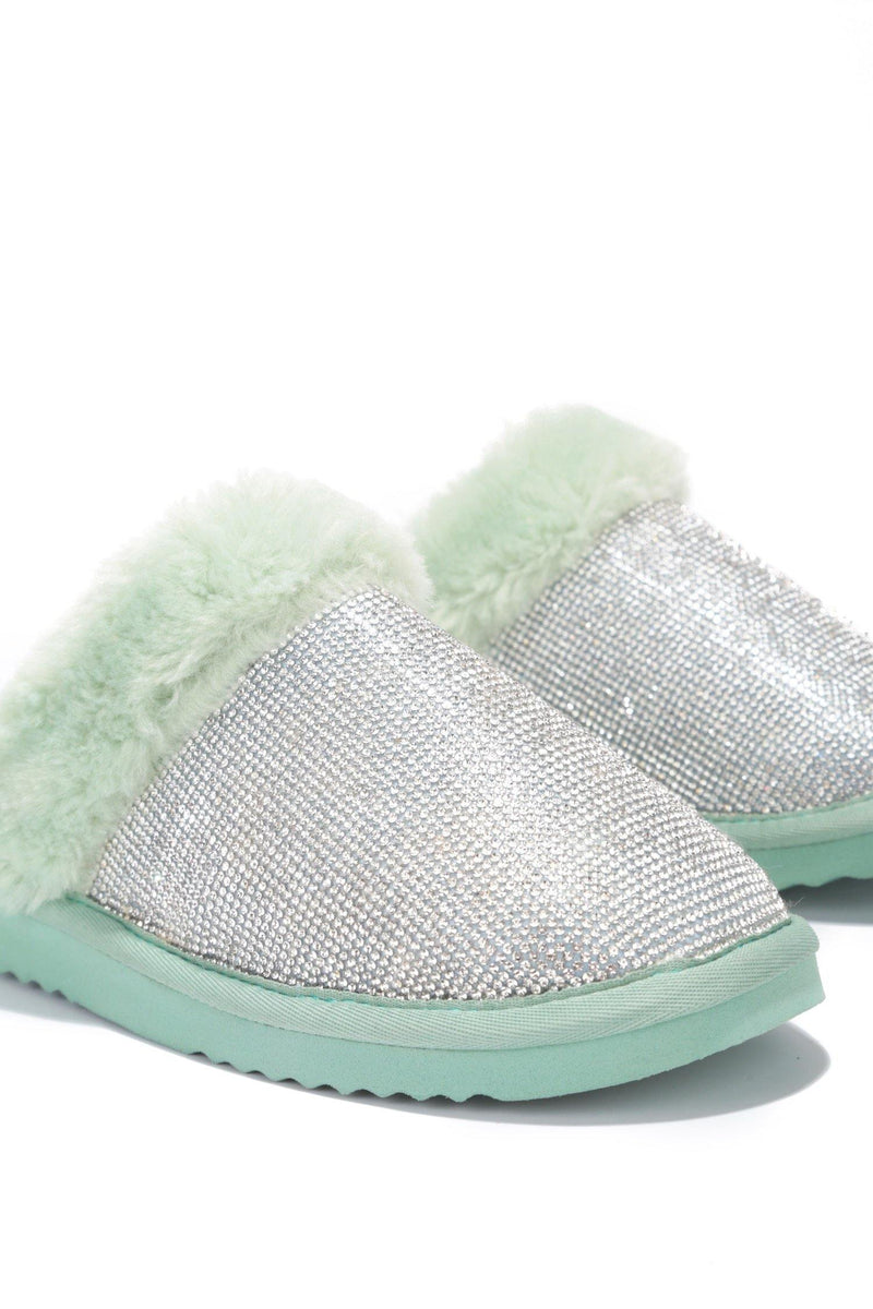 HOLIDAY FUZZY MOMENT SLIPPERS-MINT