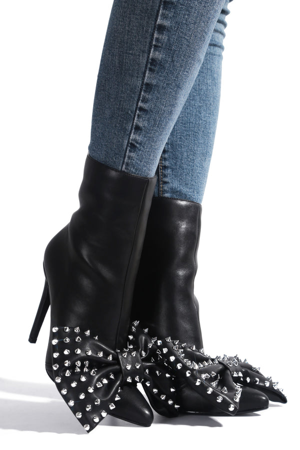 EDISON CATCH ME LATER HEELED BOW BOOTIES-BLACK - FlashyBox