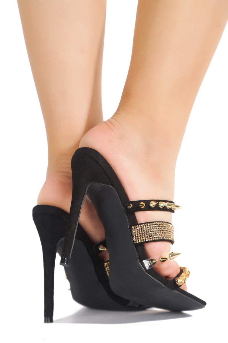 QUATRO GOTTA HAVE IT HEELED SANDALS-BLACK