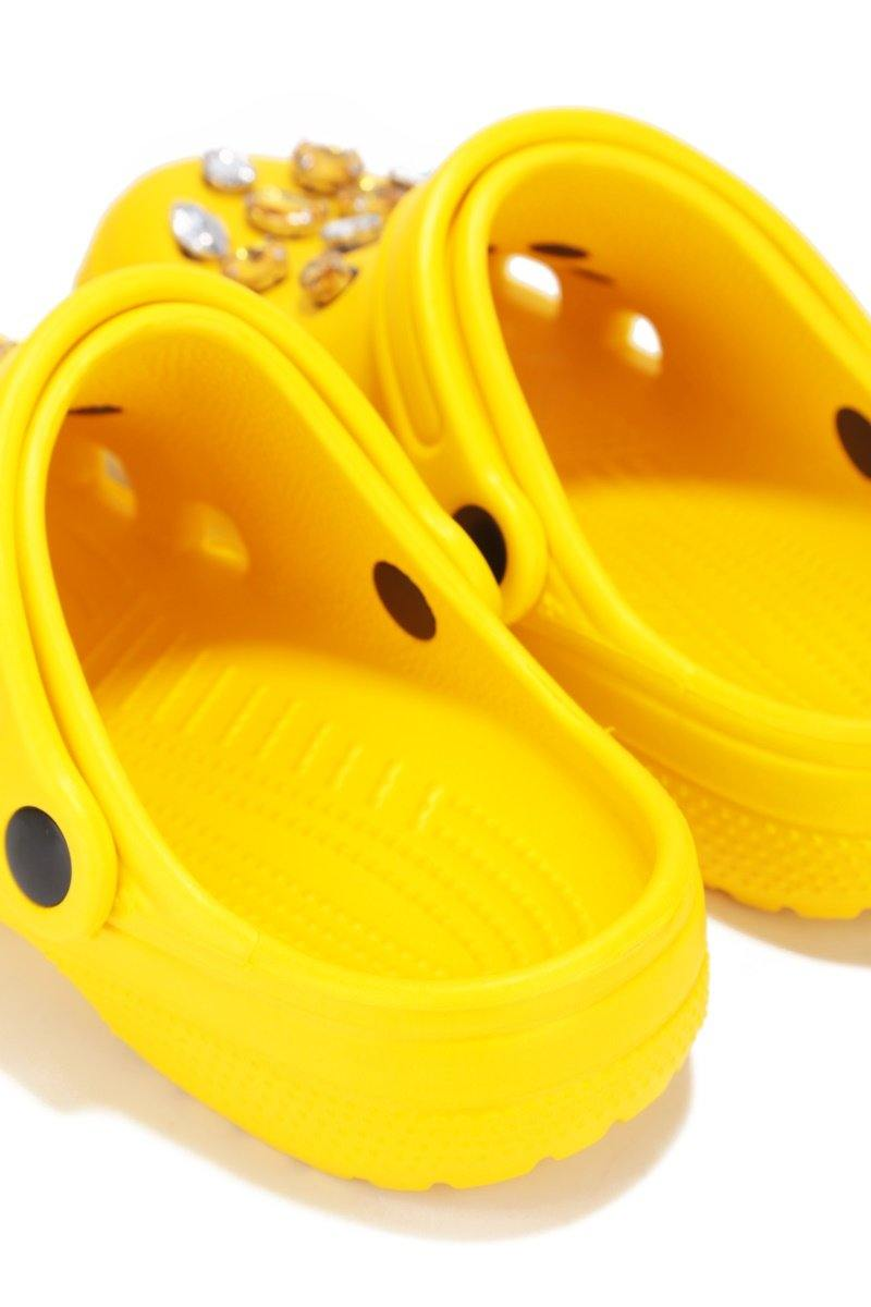 VIGILANTE-6 ANKLE STRAP CUT OUT HOLE SANDAL WITH GEMS-YELLOW