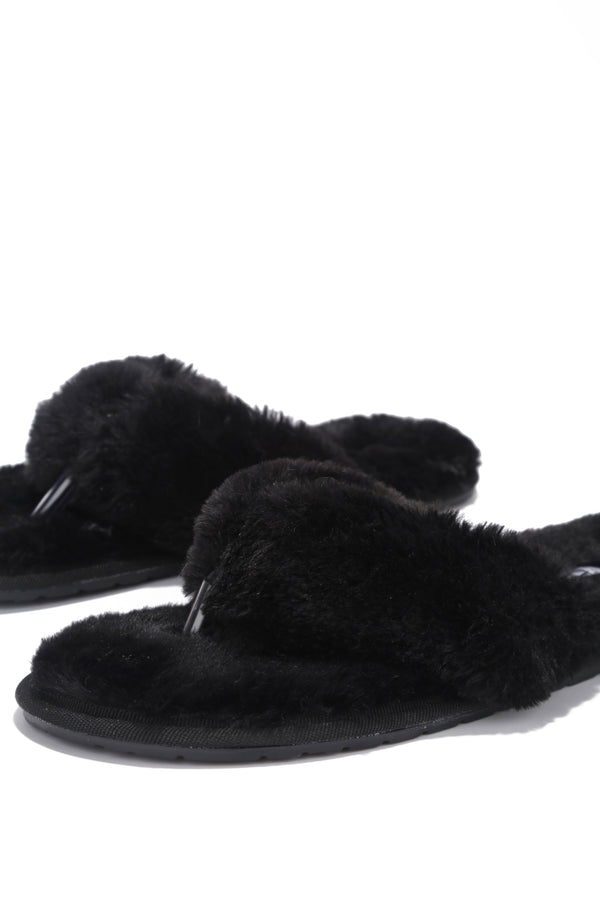 AZARIA PURELY PERFECT FUR SLIDES-BLACK - FlashyBox