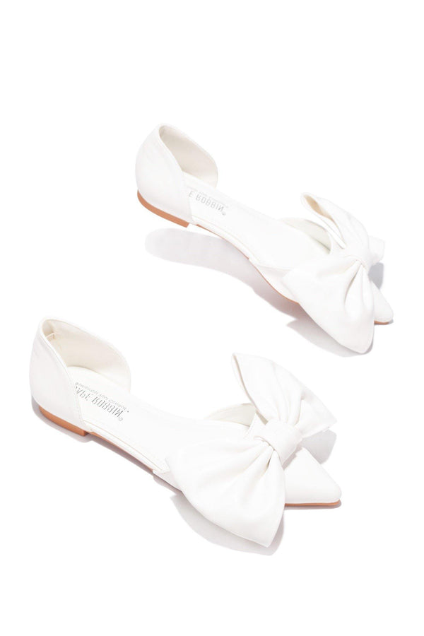 TWIT NOT YOUR EVERYDAY FLATS-WHITE