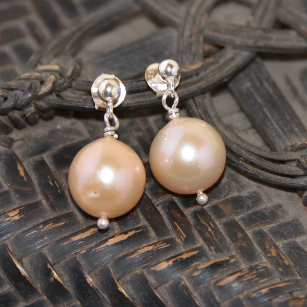 Pink Freshwater Pearl on Silver Stud Earring