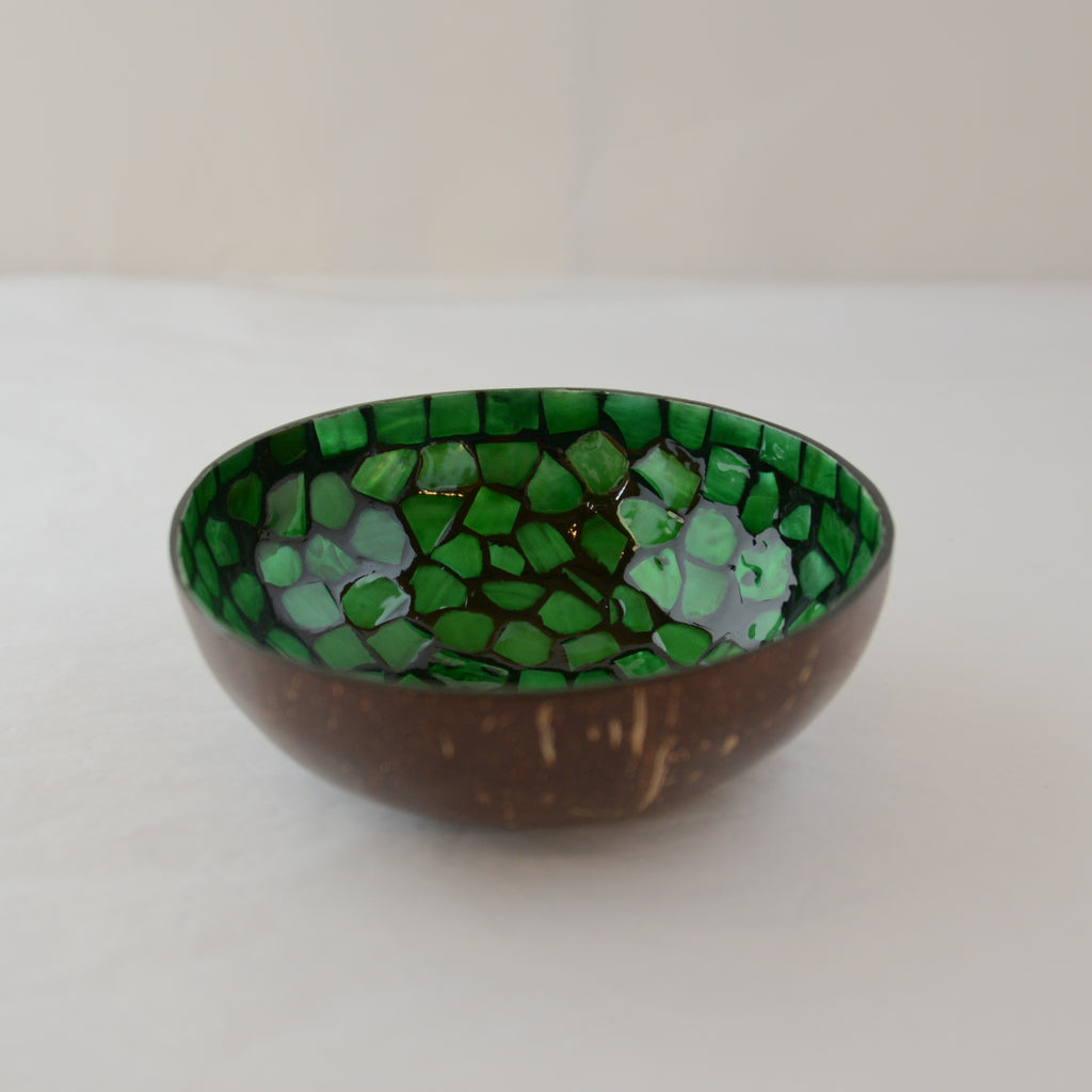 Oyster Shell Lacquered Coconut Bowl - Green and Black