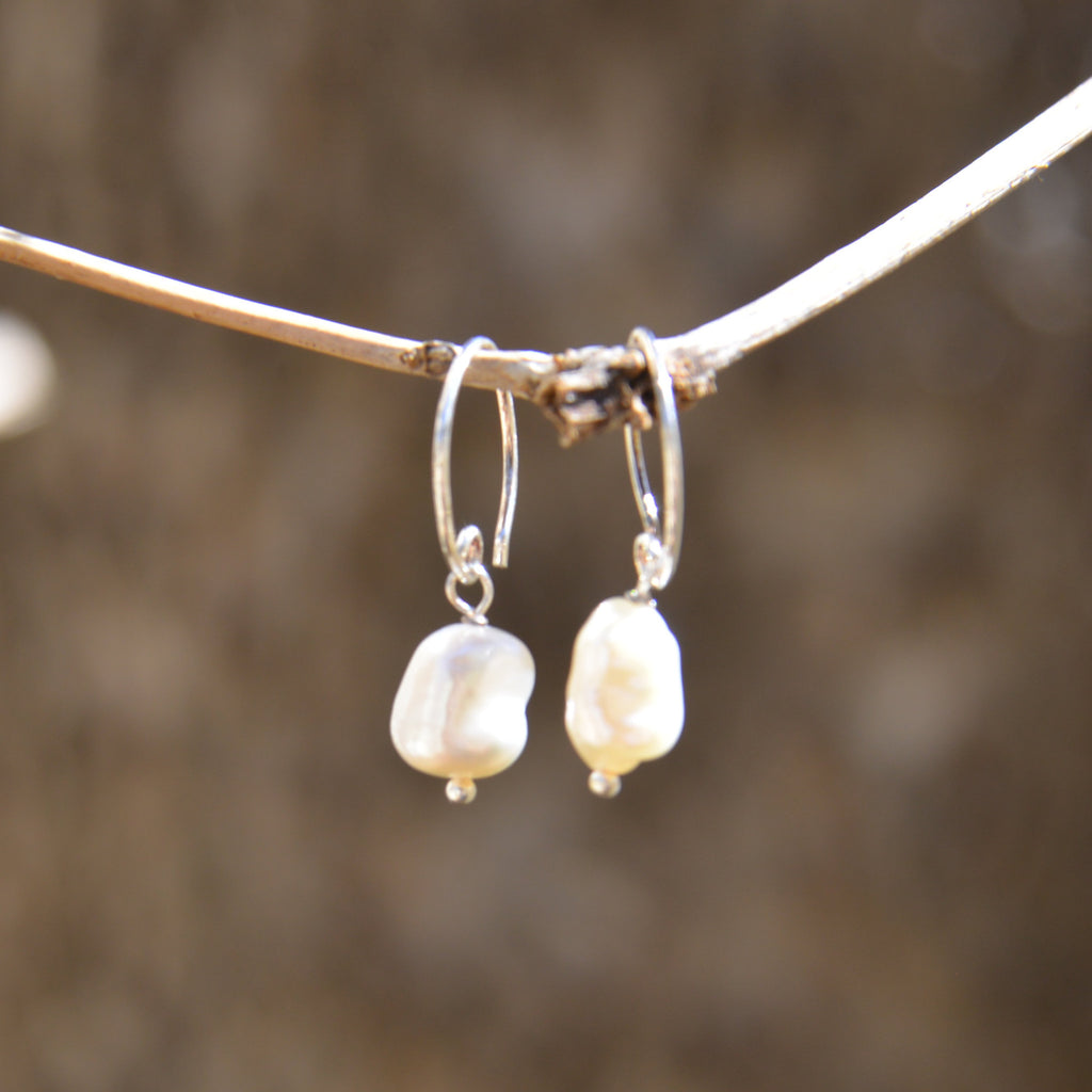 Freshwater Pearl Drop Earring with Circle Hook