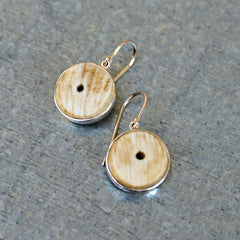 Silver Conch Shell Earrings (off-white)