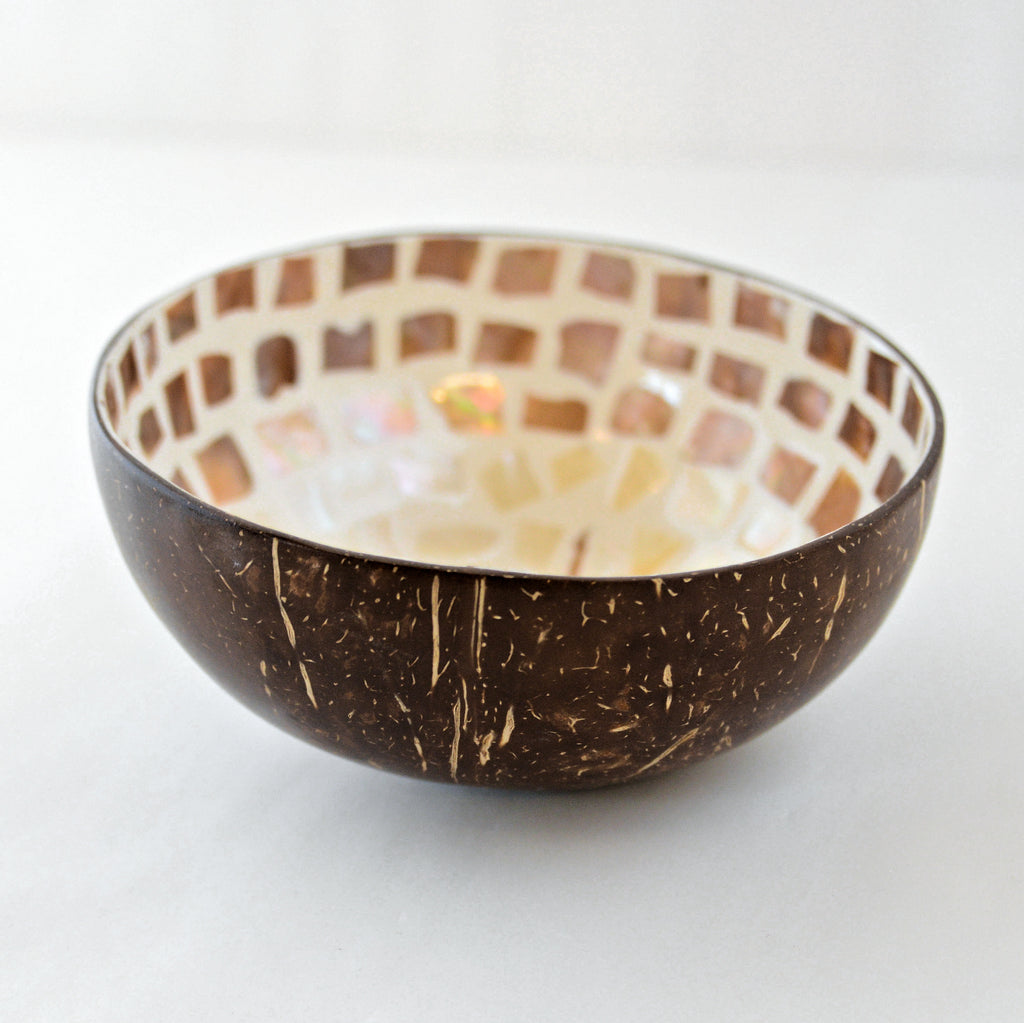 Oyster Shell Lacquered Coconut Bowl - Natural & Cream Statue of Liberty