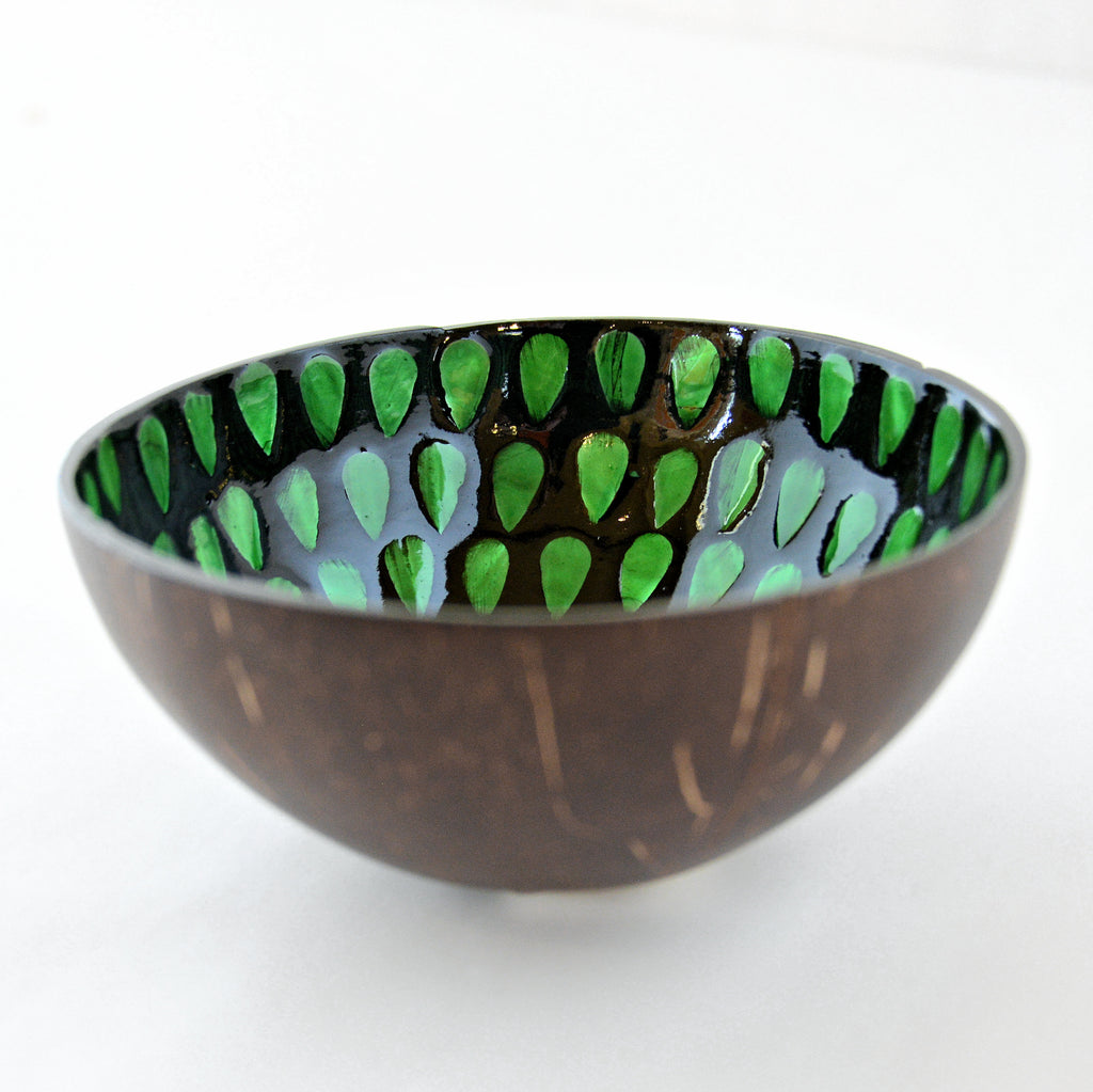 Oyster Shell Lacquered Coconut Bowl - Green Teardrop