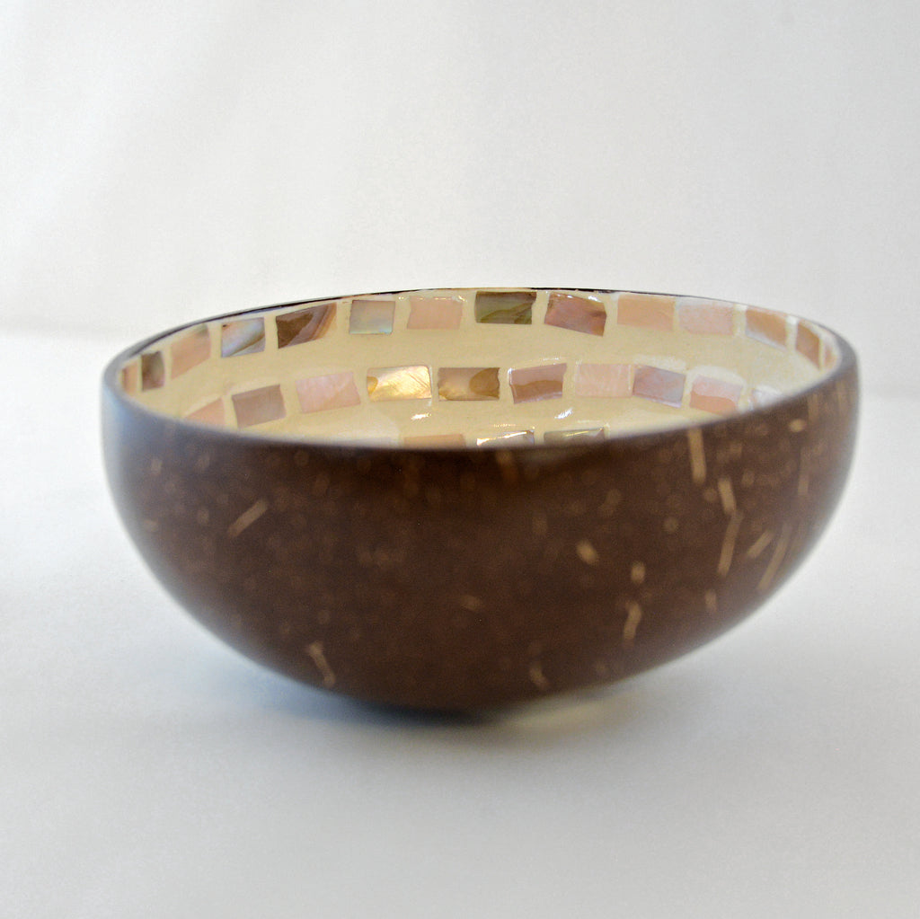 Oyster Shell Lacquered Coconut Bowl - Natural & Cream Mosaic