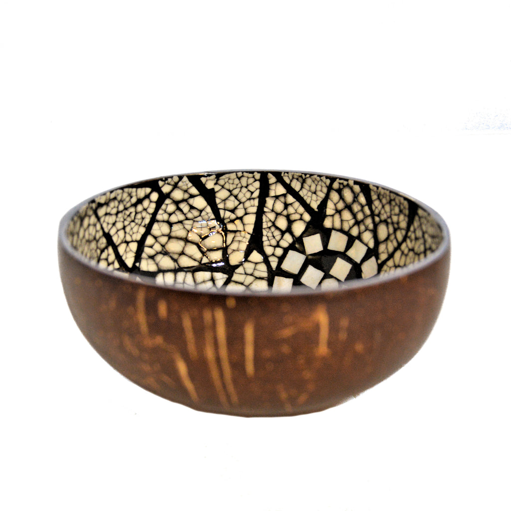 Eggshell and Mother of Pearl Lacquered Coconut Shell Bowls - Black and White