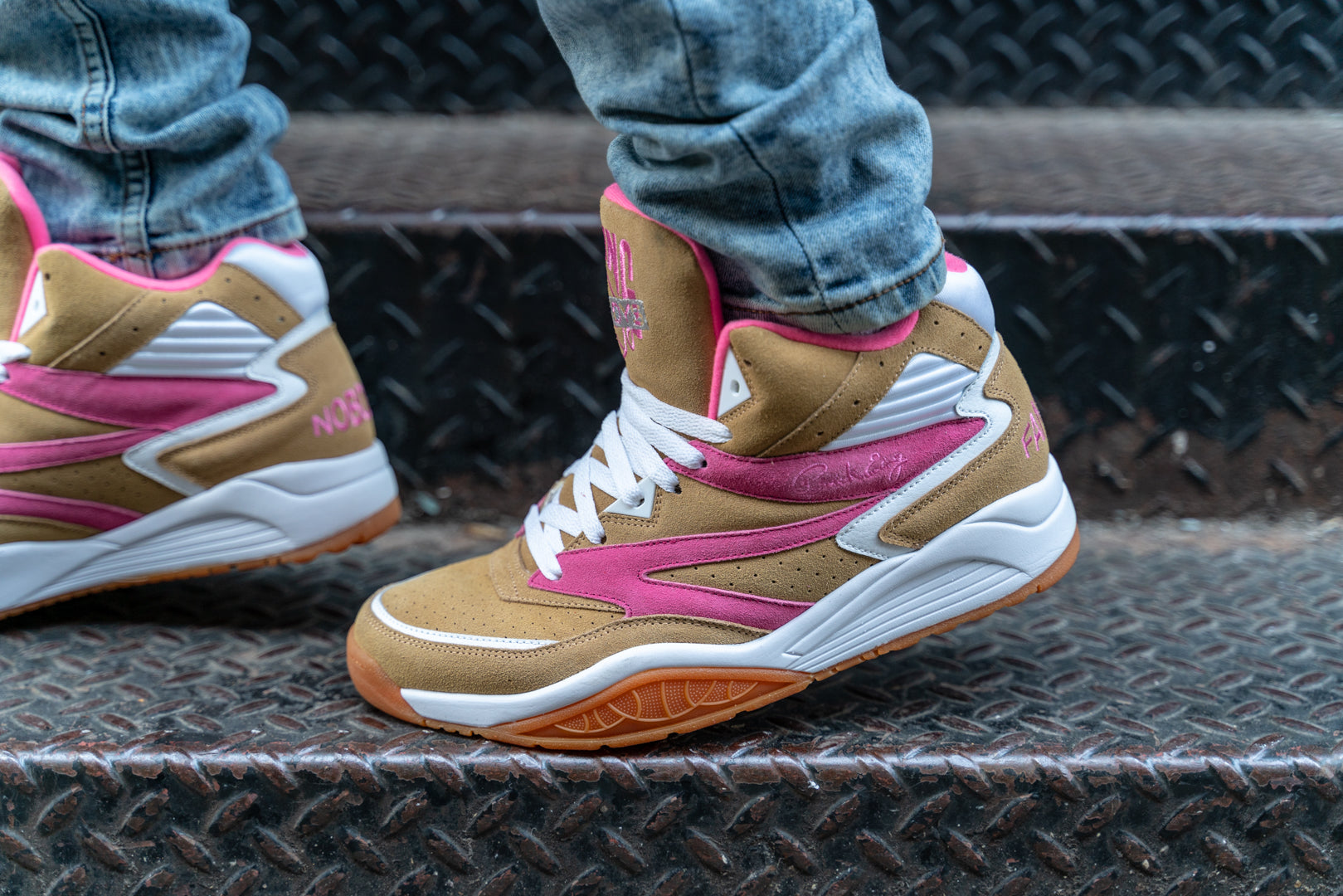 ewing sport lite famous nobodys on foot
