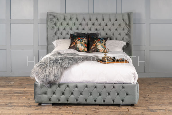 Victoria Wingback Bed