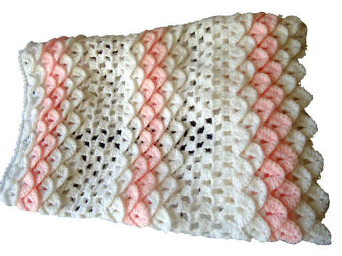 Blanket in Crocodile Stitch - TiggiesTinyToes