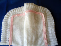 Knitted blanket with fluted edging - TiggiesTinyToes