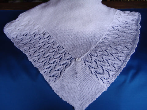 Knitted shawl in lace pattern - TiggiesTinyToes