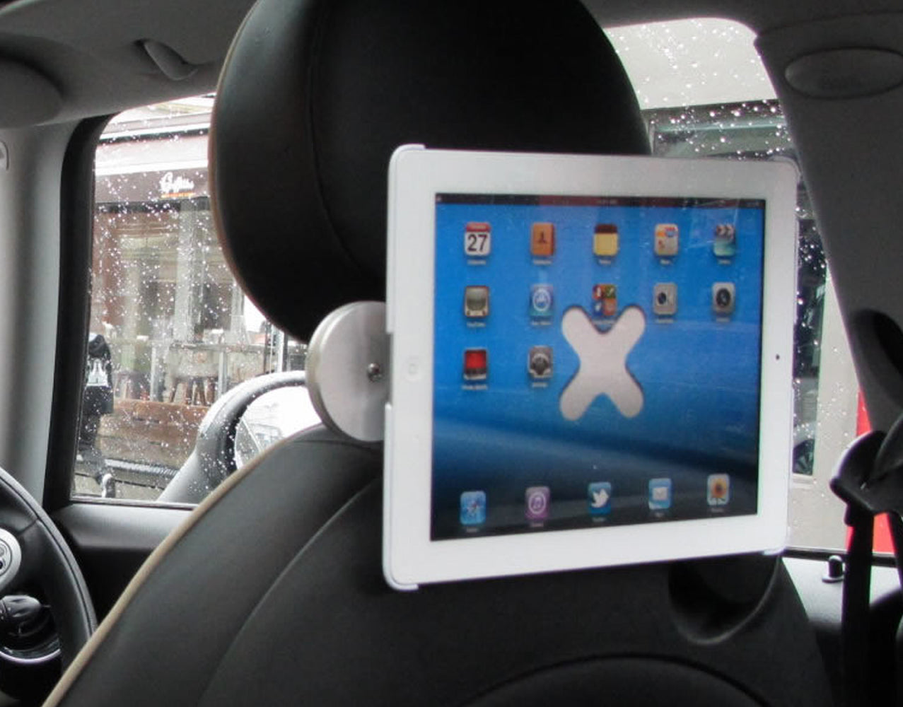 The Wallee Car Headrest Mount