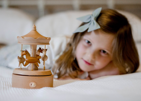 Sonny and the Dolls | Music Boxes | Dress ups