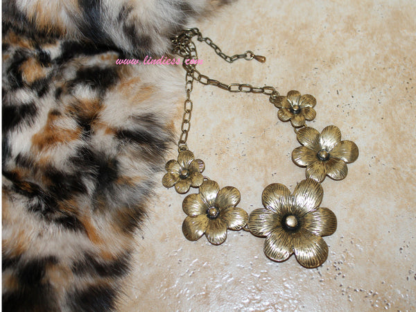 VINTAGE GOLD FLOWERS NECKLACE
