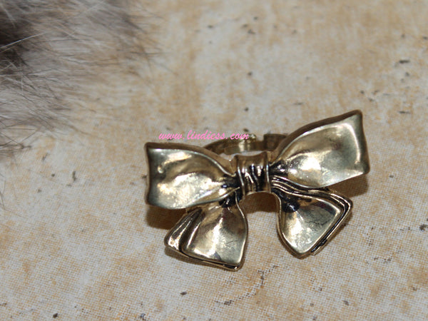 VINTAGE GOLD BOW RING
