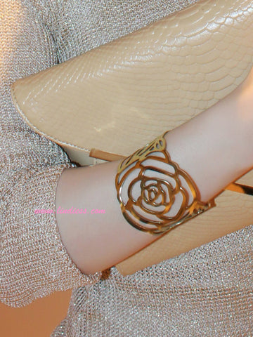 ROSE BANGLE BRACELET - GOLD