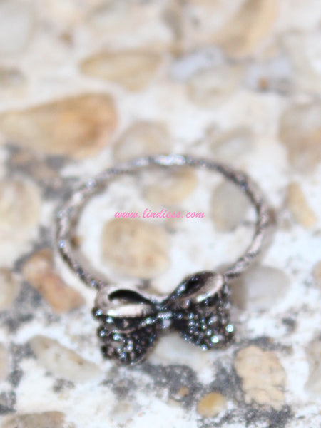 VINTAGE SILVER BOW RING