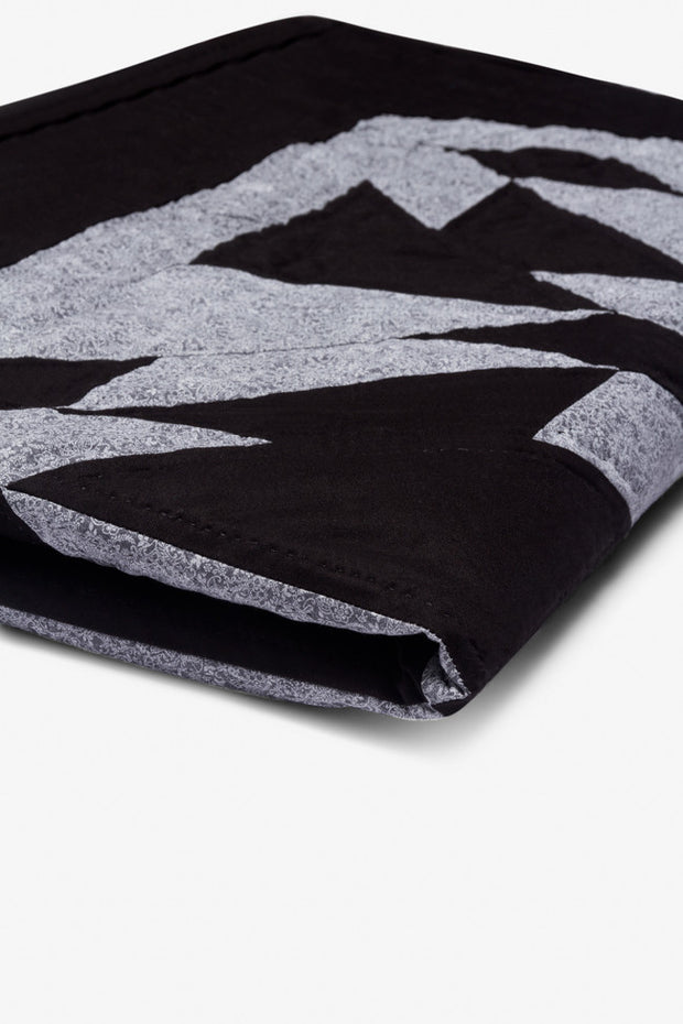Amish Patchwork Duotone Throw Quilt Grey/Black