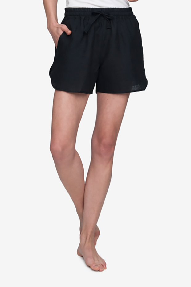 Set - Slip On Top and Curved Hem Short Black Linen