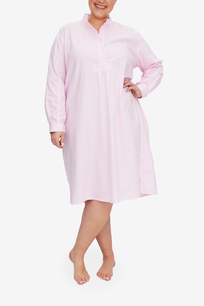 The plus sized version of our Long Sleep Shirt, this light pink Royal Oxford shirting is lightweight and luxurious. Hem falls below the knee on most wearers, full length sleeve and stand collar look great.
