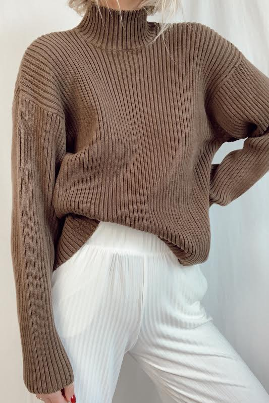 Vintage Ribbed Mock Neck (S-M)