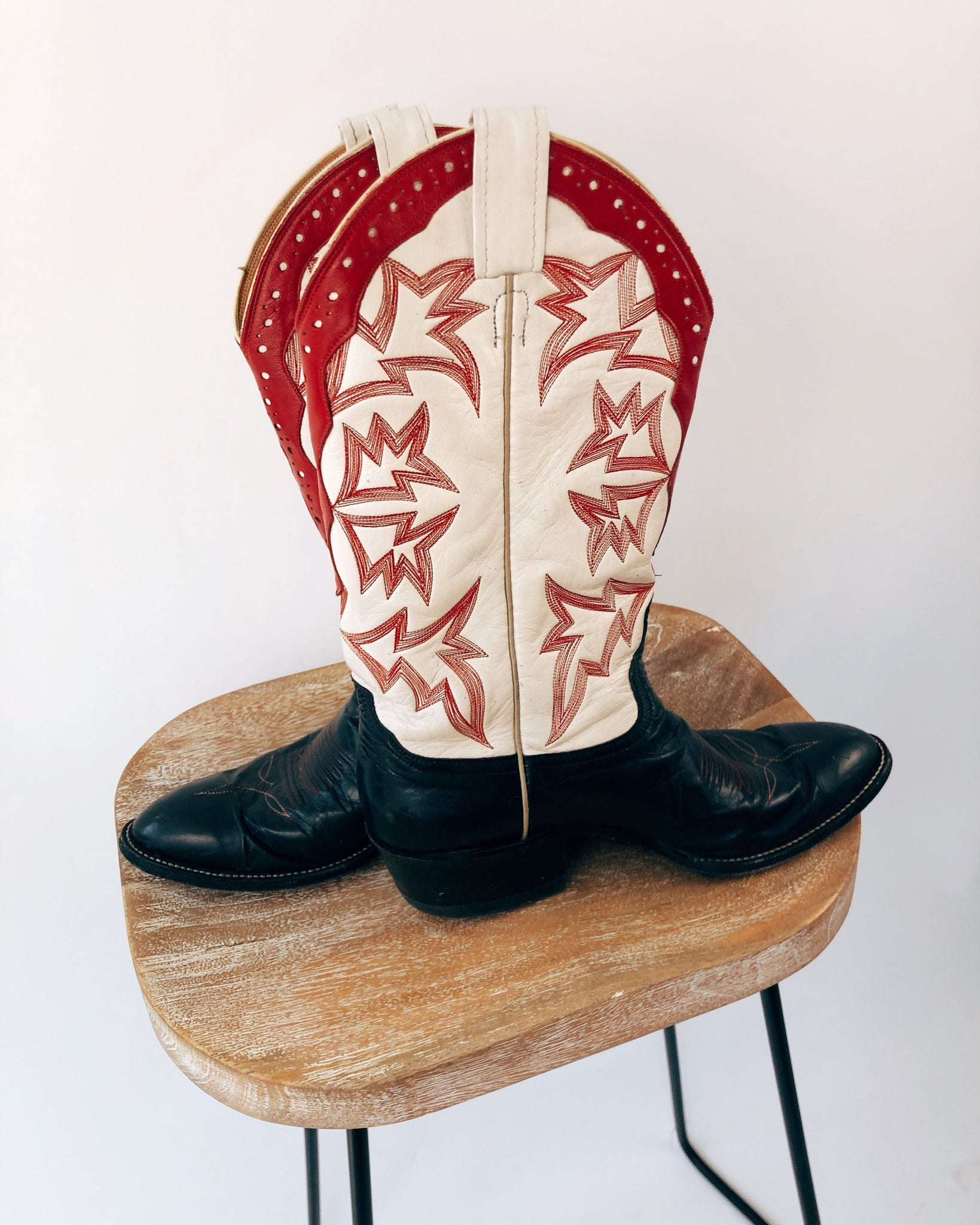 Vintage Red, White & Blue Cowboy Boots (9/10)