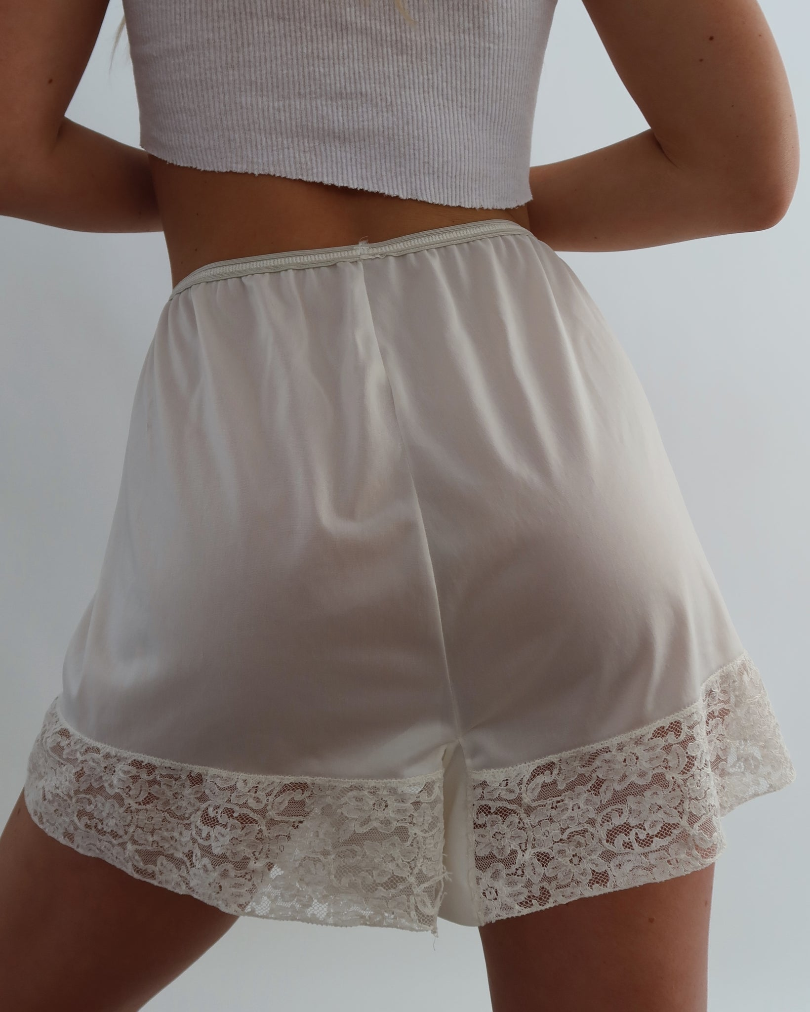 Silky Lounge Shorts (S-M)