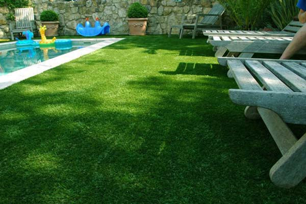 Artificial-Grass-Pool3