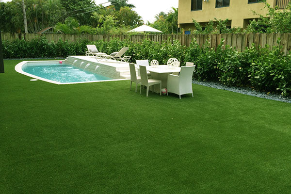 Artificial-Grass-Pool6