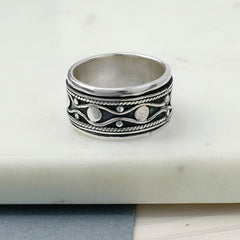 chunky silver spinning ring