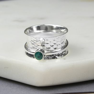 May Birthstone Spinning Ring Emerald