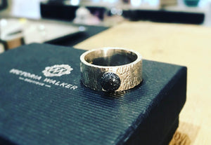 Ashes deep band ring