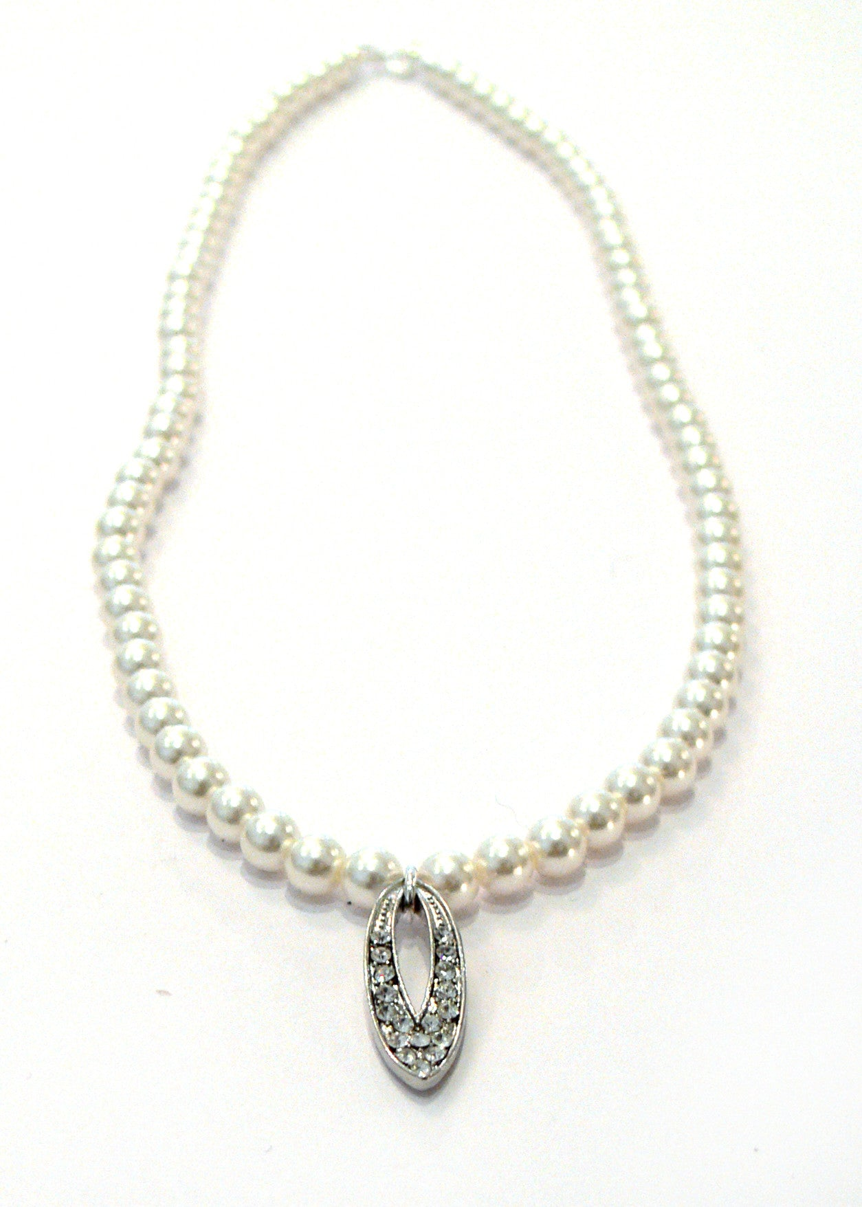 Pearl glamour drop necklace
