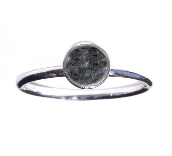 Ashes single band ring