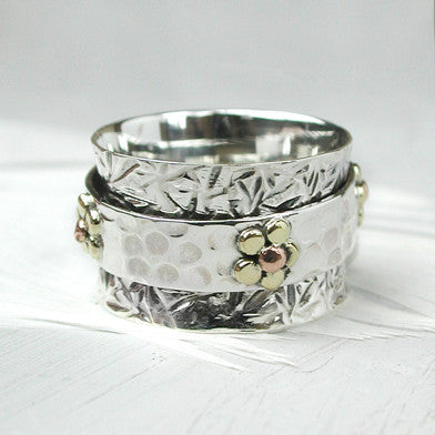 Textured Flowers Spinning Ring