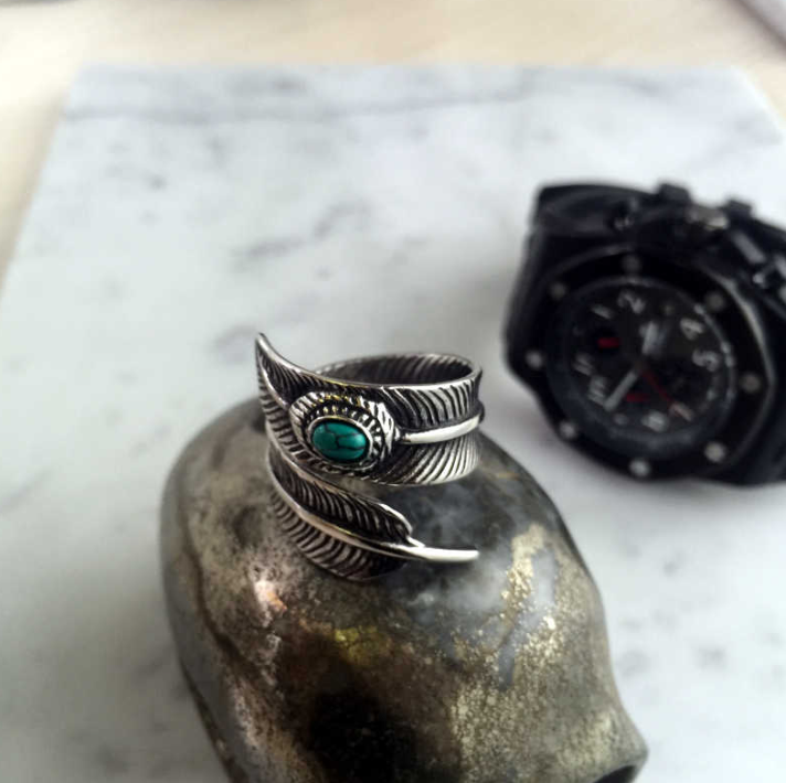EGOIST FEATHER Ring with stone