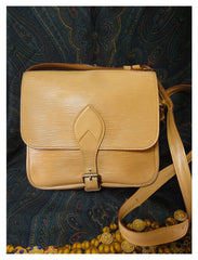 80's Vintage Louis Vuitton cream beige yellow epi square shape shoulder bag, Cartouchiere. Unisex use for daily use.