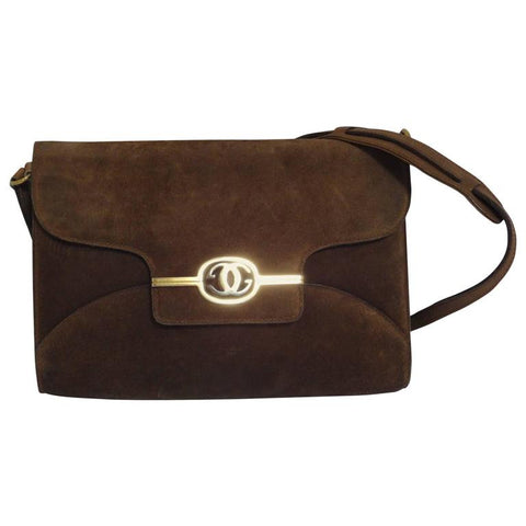 Vintage Gucci tanned brown suede leather shoulder clutch purse with golden logo turn-lock motif. Rare, Collectible Masterpiece